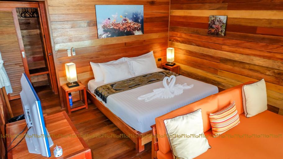 Ten Moons Lipe Resort, Muang Satun