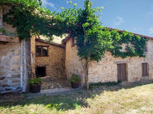 Cozy Farmhouse in Castrotane with Garden, Lugo