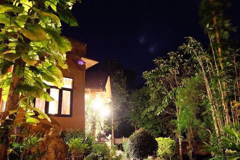 Chom Fah Hill , Mae Ai