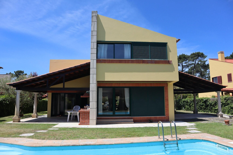 Villa With 4 Bedrooms in Praia de Mira, With Private Pool, Enclosed Garden and Wifi, Mira