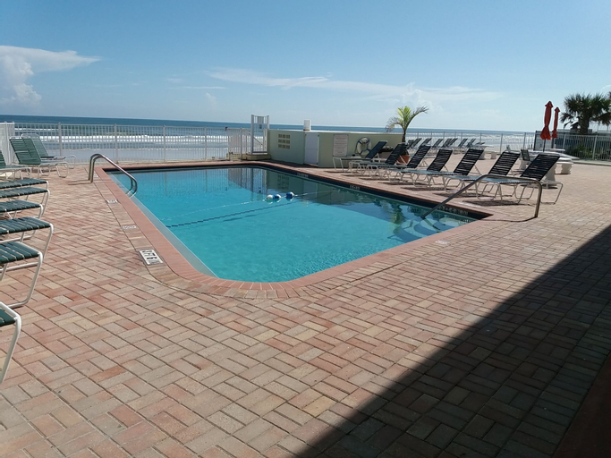 Holiday Shores Beach Club, Volusia
