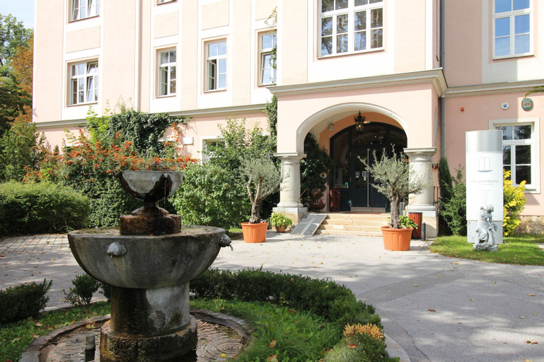Thermenhotel Gutenbrunn, Baden