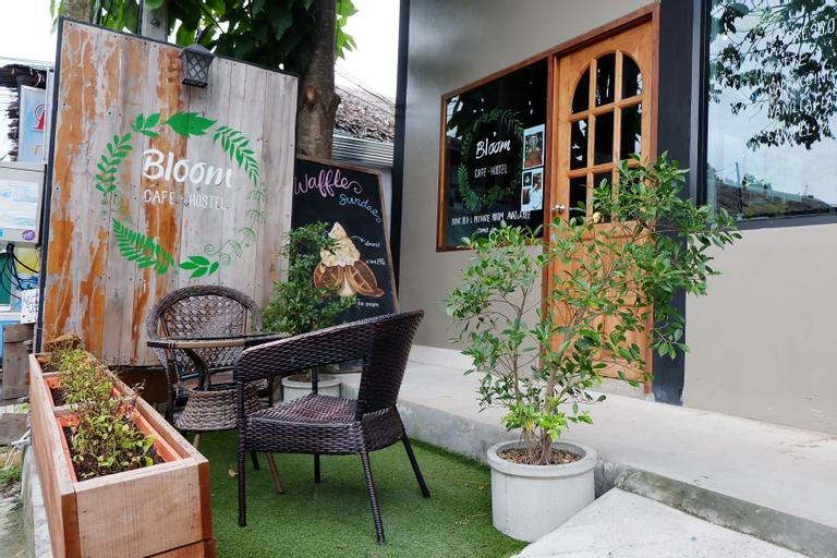 Bloom Cafe & Hostel Lipe, Muang Satun