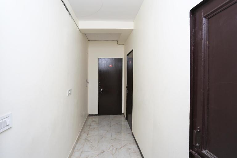 OYO 13280 HOTEL ROYAL INDIA, Hapur