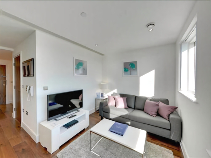 Lincoln Plaza Serviced Apartments by thesqua.re, London