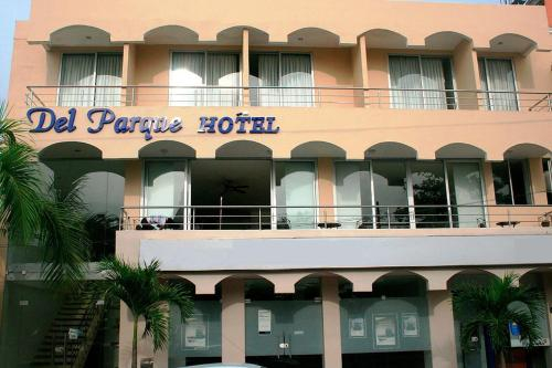 Del Parque Hotel, Corozal