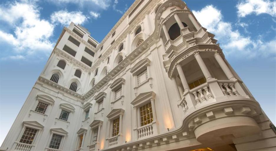 Luxus Grand Hotel, Lahore