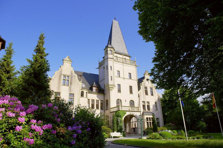 Schloß Tremsbüttel, Stormarn