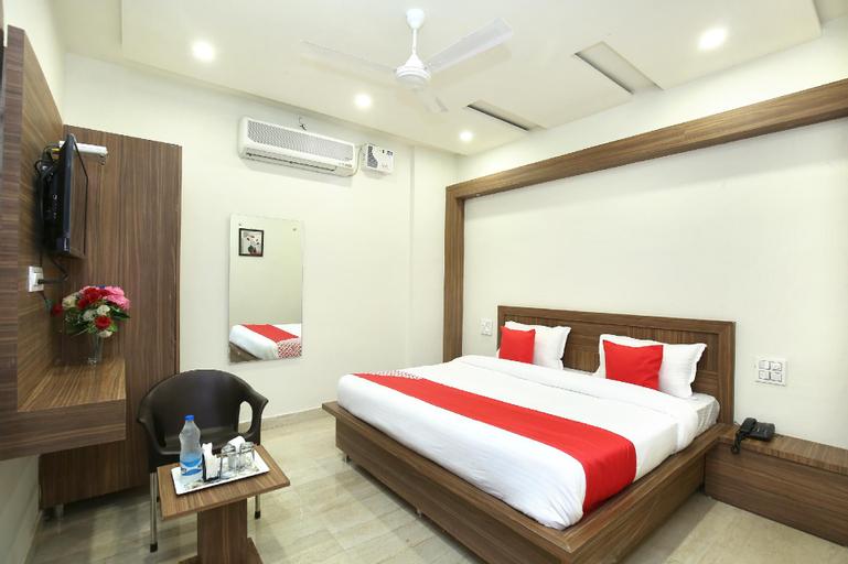 OYO 33470 Hotel S7, Kurukshetra