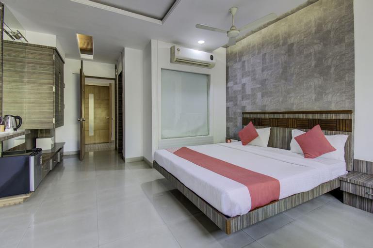 OYO 1000 Hotel Admiral Suites, Aurangabad
