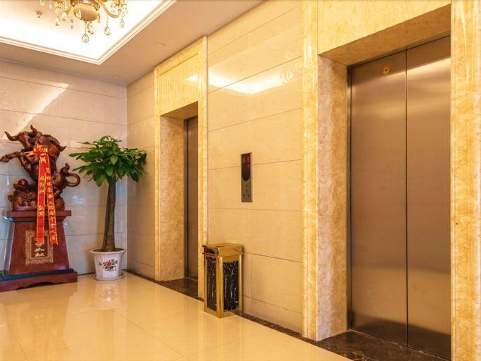GreenTree Inn Wuxi Jiangyin Huashi Avenue Huaxi Village Hotel, Wuxi