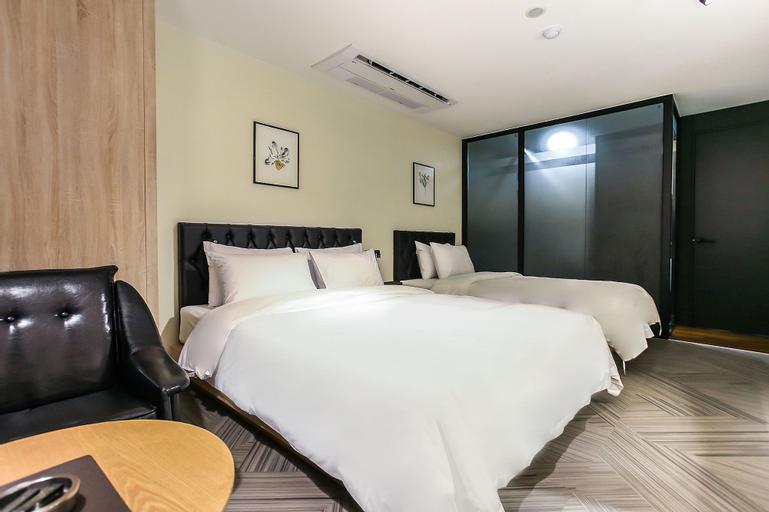 Hotel 9 in Dongdaemoon, Dong-daemun