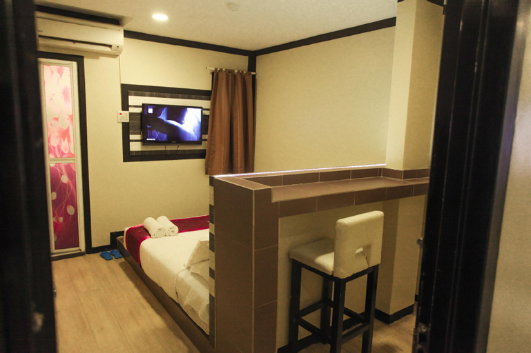Hotel Premium, Kinta