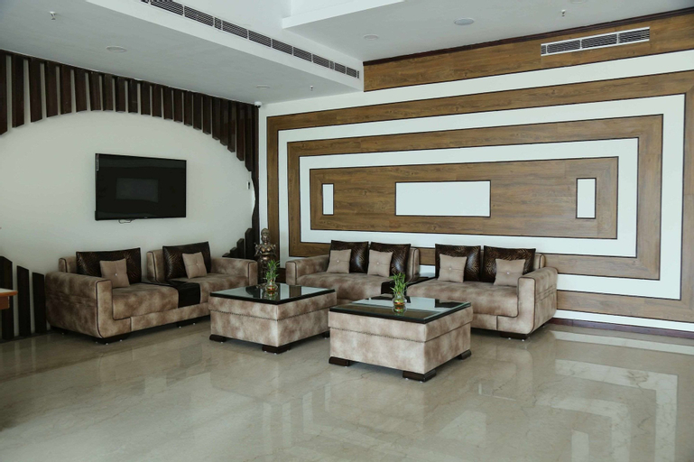 Clarion Inn Amps, Patiala