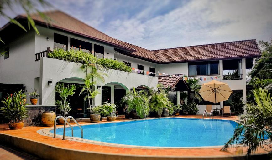 Villa Volpi B&B, Bang Plee