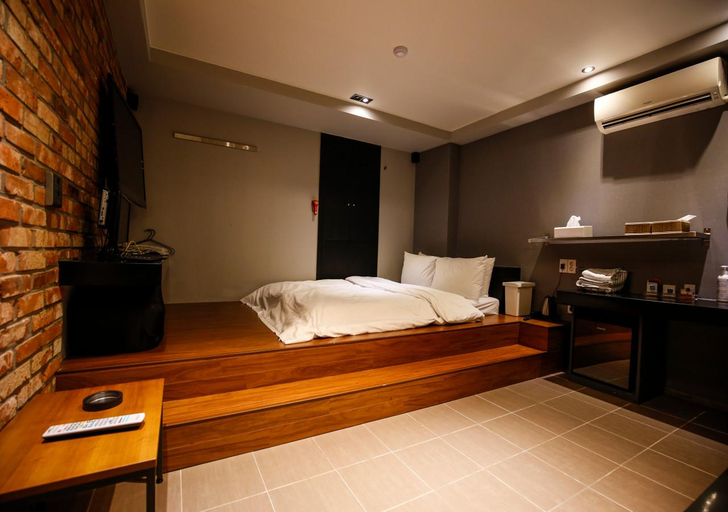 Hotel Story, Seongbuk