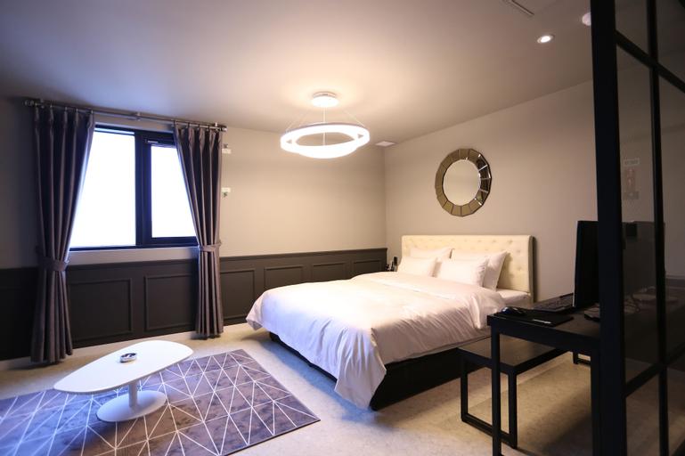 Le Idea Hotel, Nam