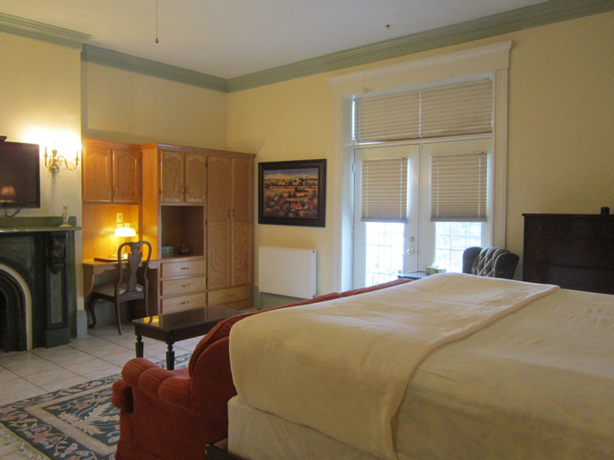 Chipman Hill Suites - Senator Dever House, Saint John