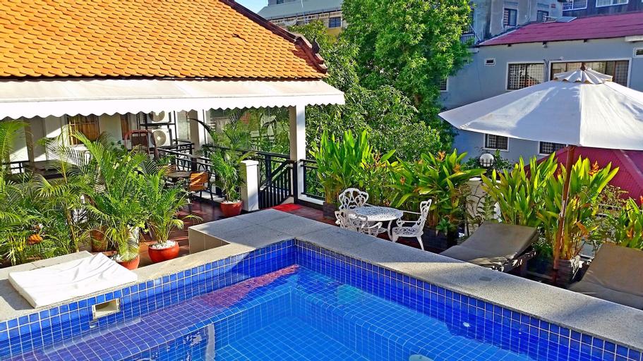 Number 9 Hotel, Ruessei Kaev