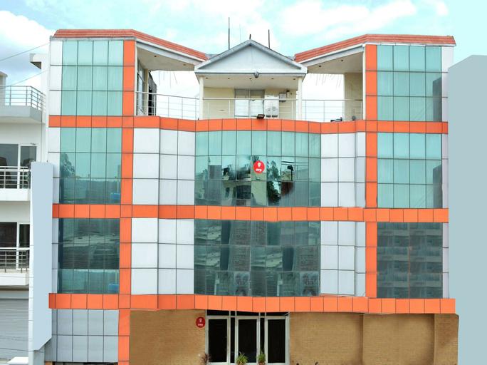OYO 6463 Hotel Dove, Chandigarh