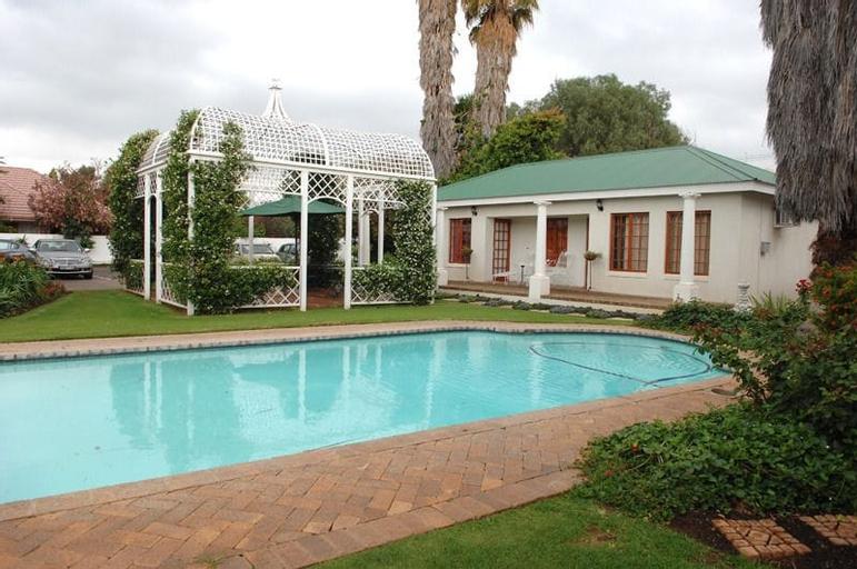 A Tapestry Garden Guest House, Dr Kenneth Kaunda