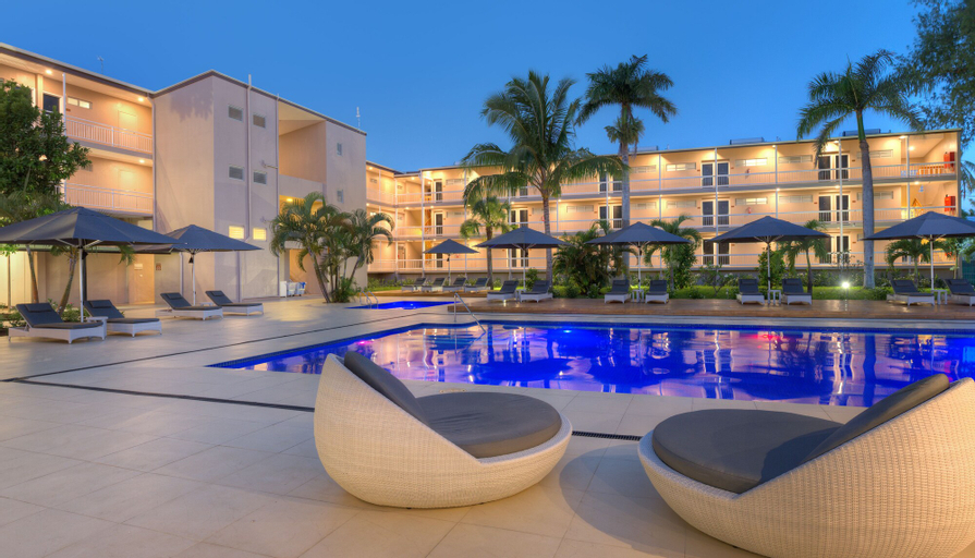 Tanoa International Dateline Hotel,