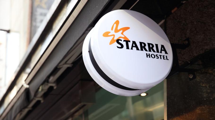 Starria Hostel, Jung