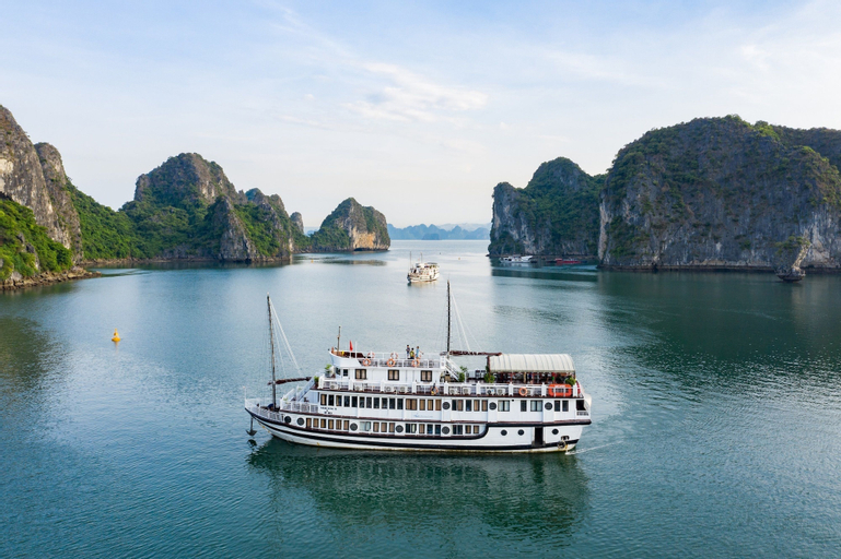 Swan Cruises Halong, Hạ Long
