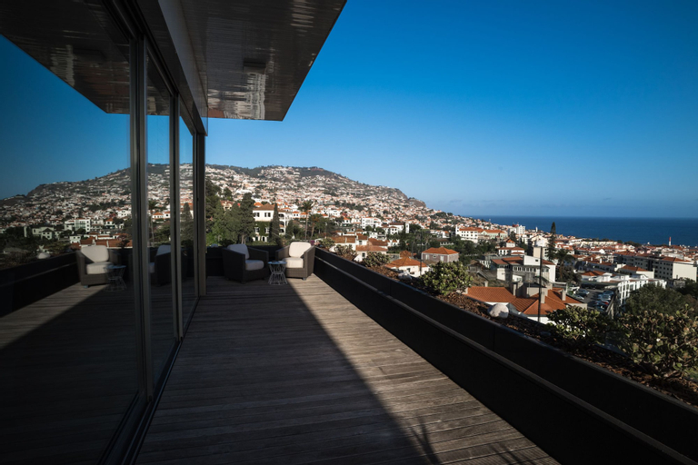 ARTS IN Penthouse Apartments Til Sol, Funchal