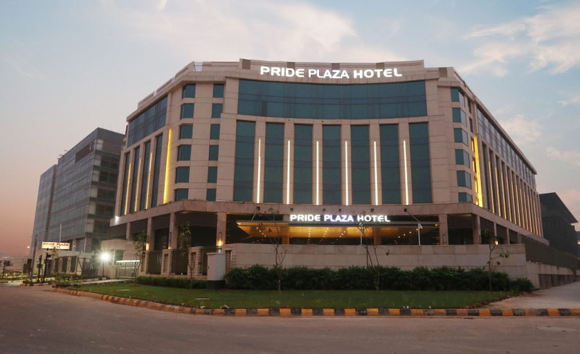 Pride Plaza Hotel Aerocity New Delhi, West
