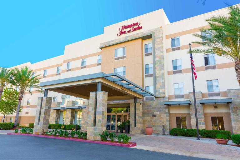 Hampton Inn and Suites Riverside/Corona East, Riverside