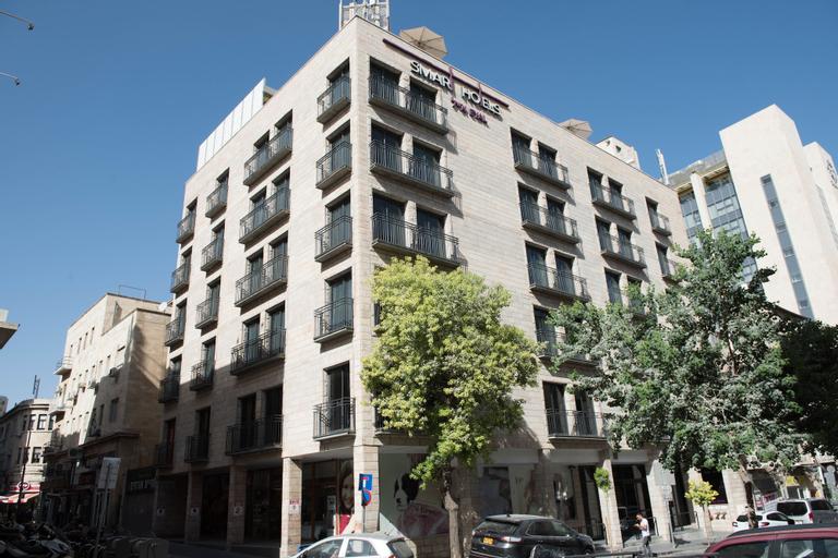 Eyal Hotel,