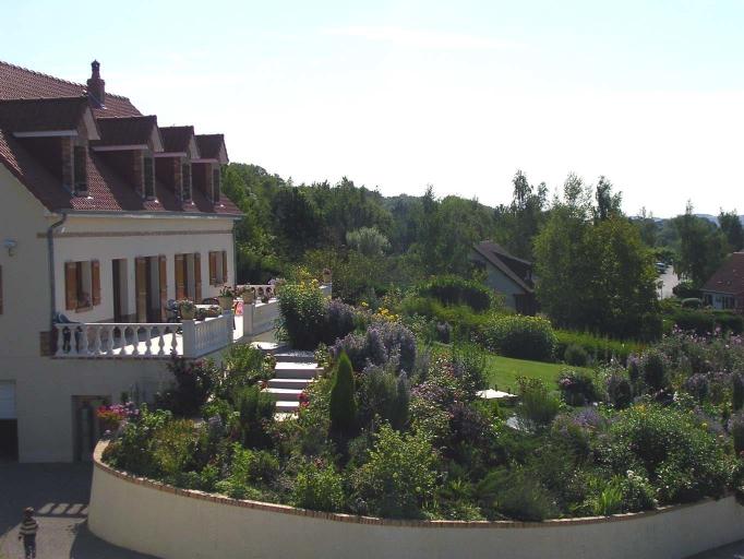 La Maison Fleurie, Somme