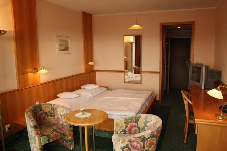Hotel Monica, Praha 5