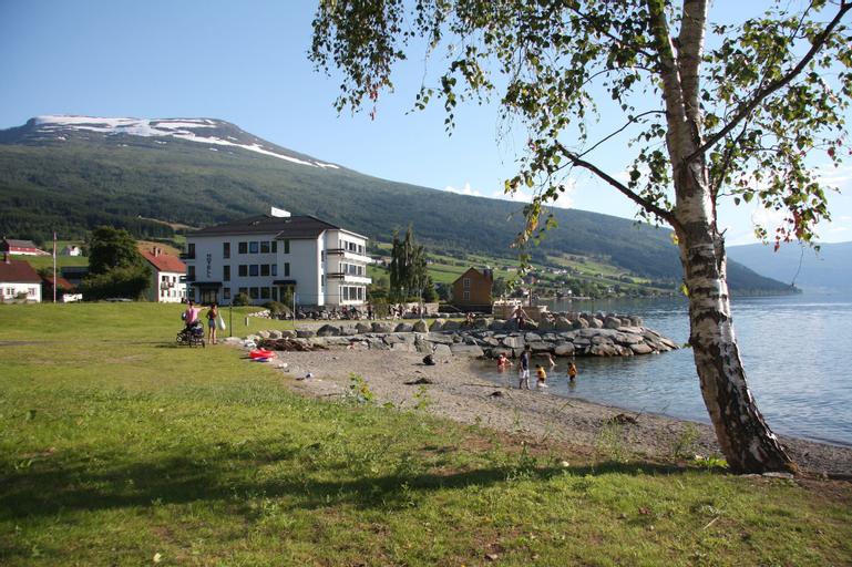 Innvik Fjordhotel - Misjonheimen, Stryn