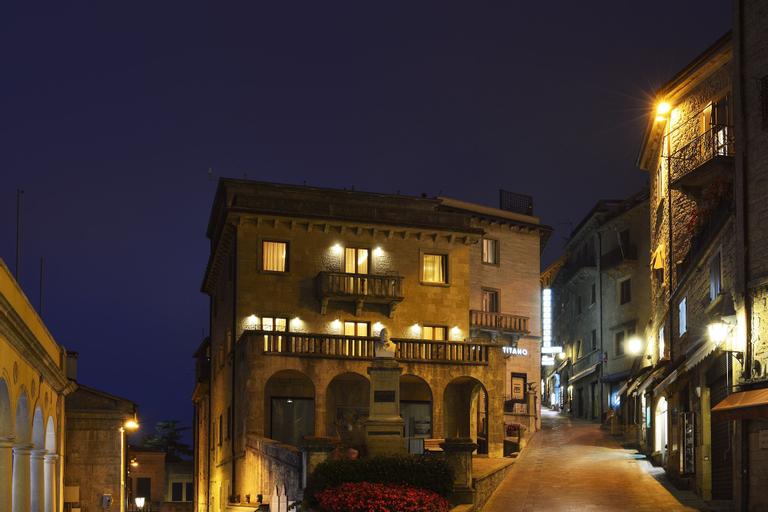 Hotel Titano,