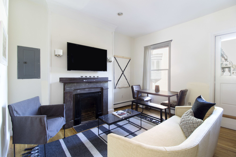 Playful South End Suites by Sonder, Suffolk