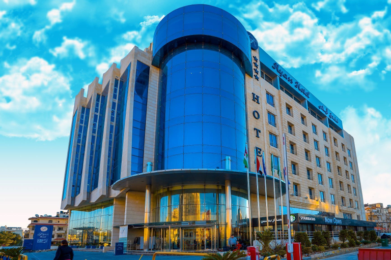 Ayass Hotel, Salt