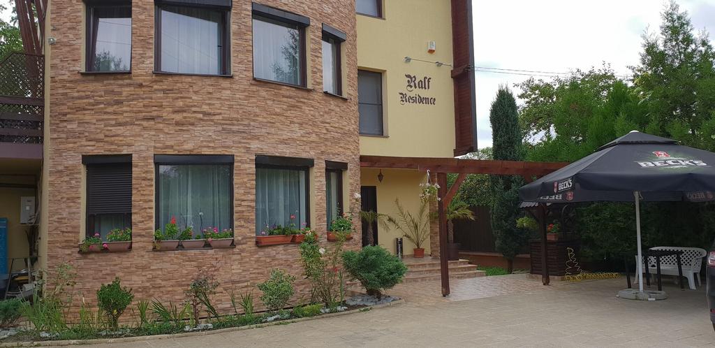 Ralf Residence, Cornu De Jos