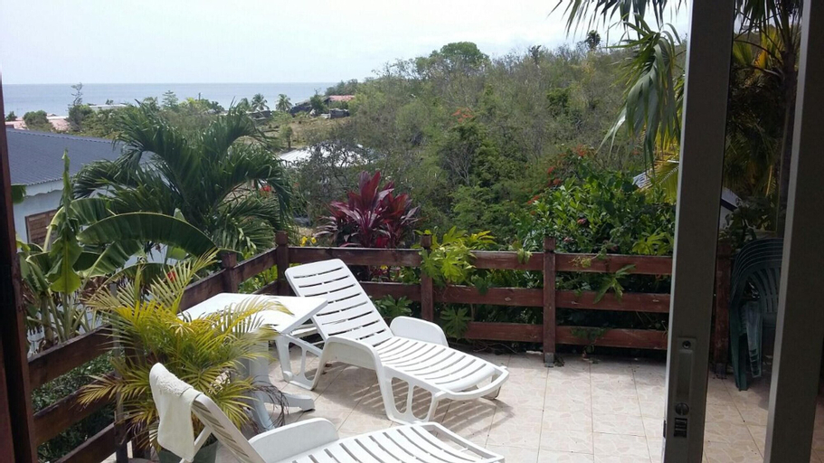 Studio in Marigot, With Wonderful sea View, Enclosed Garden and Wifi, Vieux-Habitants