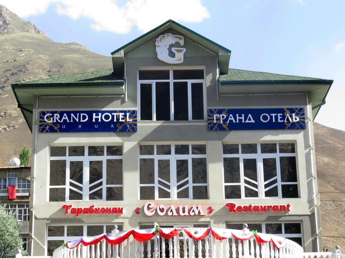 Grand Hotel, Shughnon