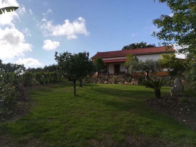 Villa With 2 Bedrooms in Carcavelos, With Wonderful Mountain View, Pri, Soure