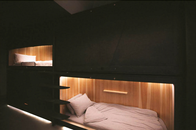 SLEEEP - Capsule Hotel, Central and Western