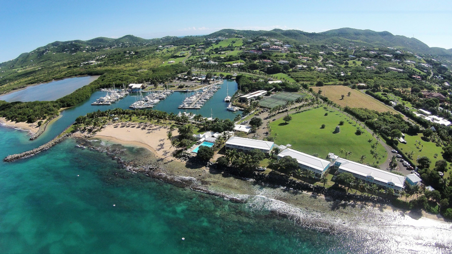 Tamarind Reef Resort, Spa & Marina, East End