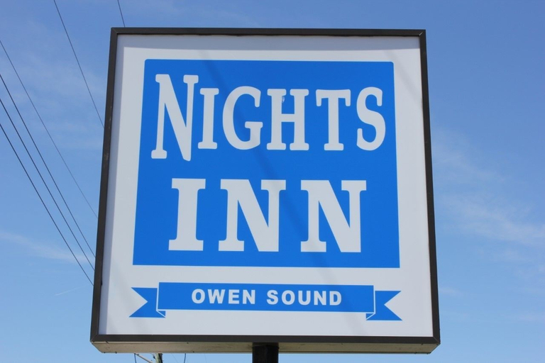 Knights Inn Owen Sound, Grey