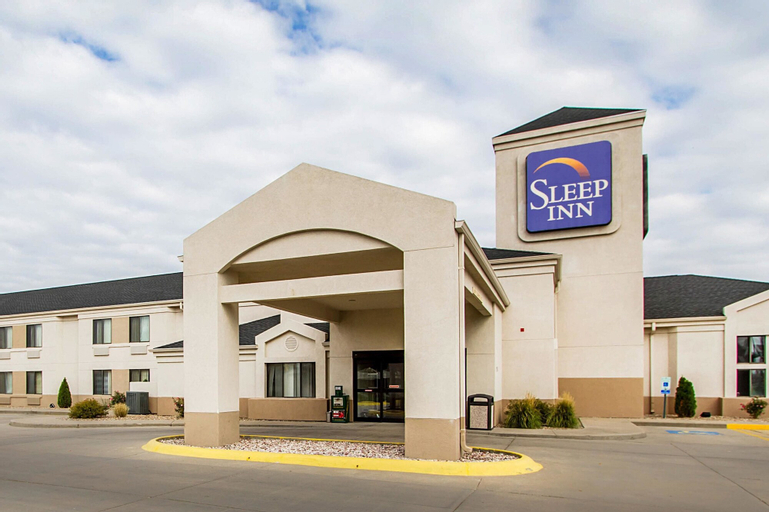Sleep Inn, Hall