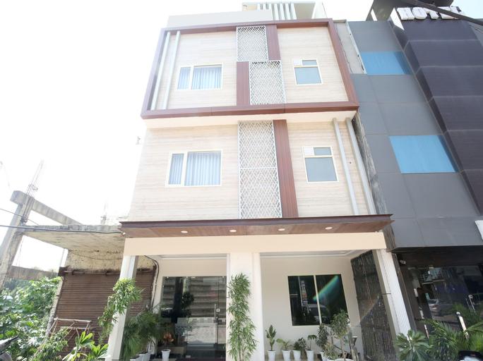 OYO 17084 Hotel Grand Orchid, Panchkula