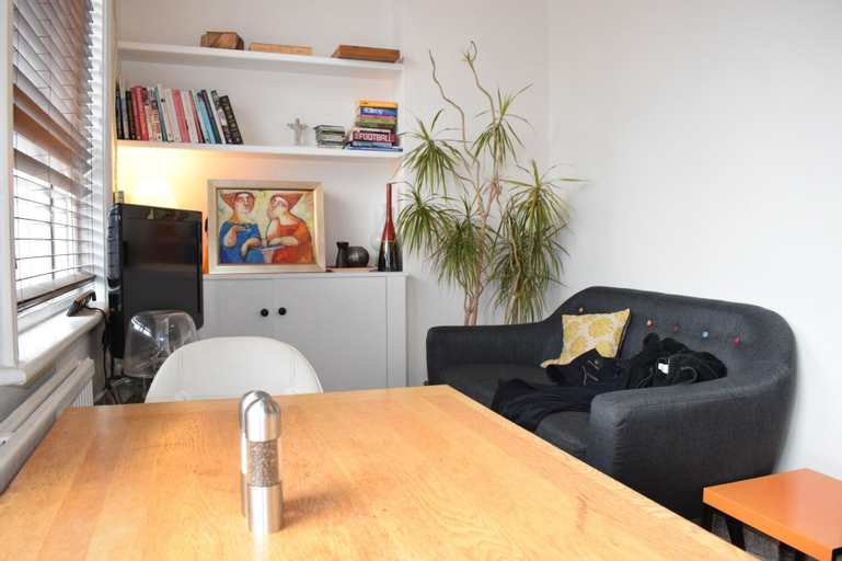 2 Bedroom Flat in Central Brixton, London