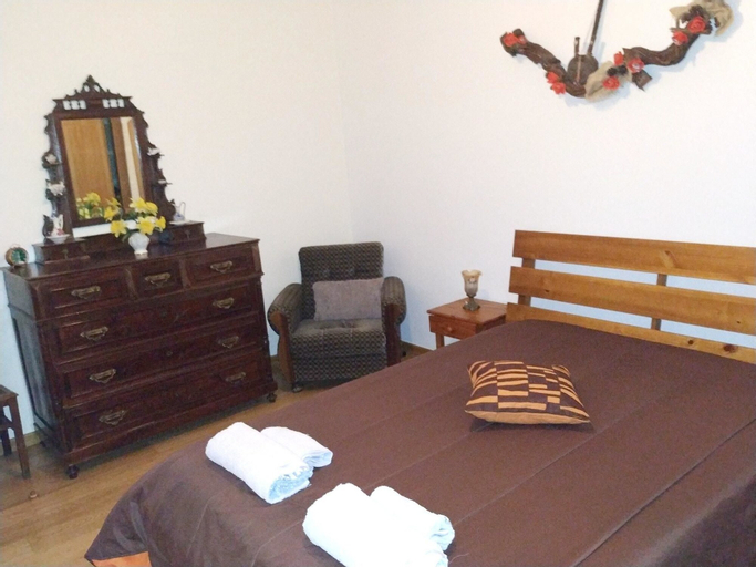house with 2 bedrooms in pte. da barca, with wonderful lake view and enclosed..., Ponte da Barca