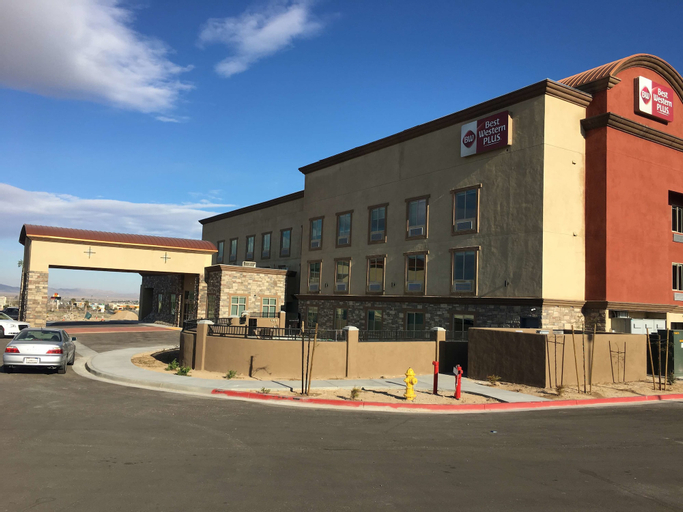 Best Western Plus Commerce Parkway Inn & Suites, San Bernardino